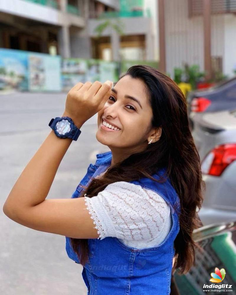 Actress Priya Bhavani Shankar Latest Photo Stills: Tamil Actress Photos, Images