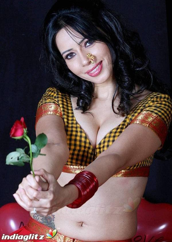 Rozlyn Khan