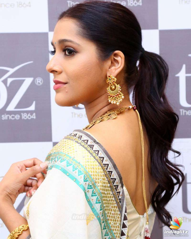 Rashmi Gautam Rashmi Gautam new foto