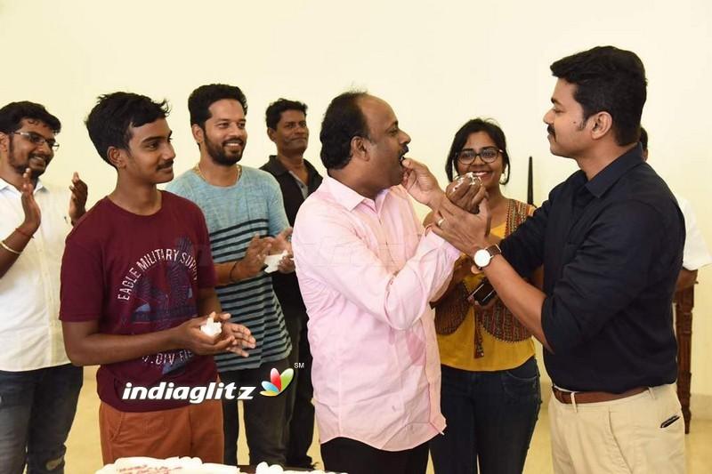 Thenandal films Murali Birthday Celebration At The Sets Of 'Vijay 61'
