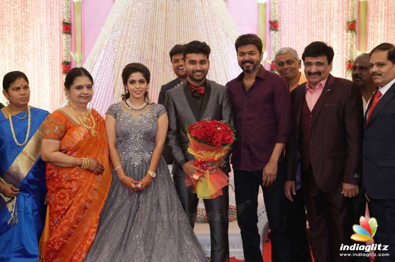 Celebs at Ramesh Kanna's Son Wedding Reception