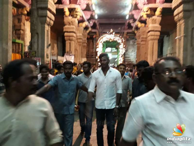 'Sandakozhi 2' Team at Madurai Meenakshi Amman Temple