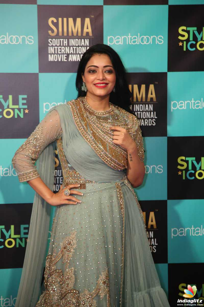 Celebs at SIIMA 2019 Tamil Awards