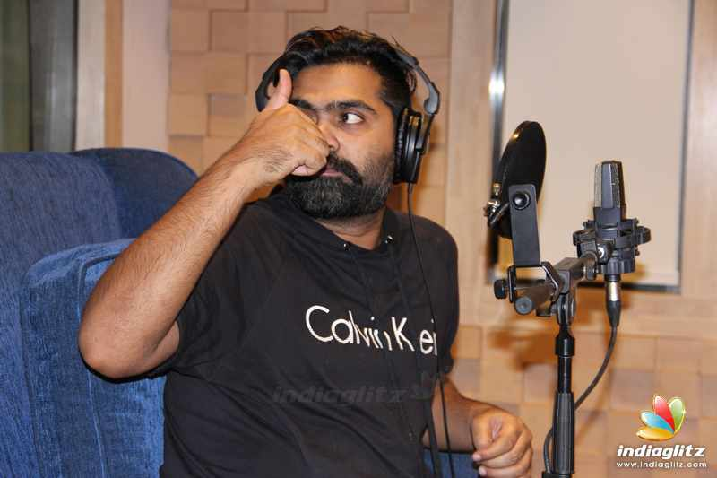 Simbu starts his dubbing for Kaatrin Mozhi Movie