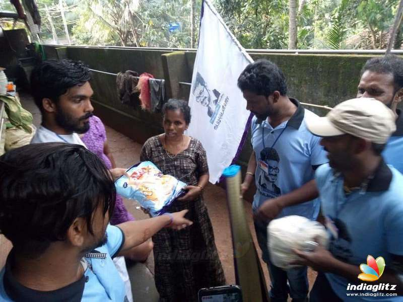 Thalapathy Vijay fans massive help for Kerala Flood victims