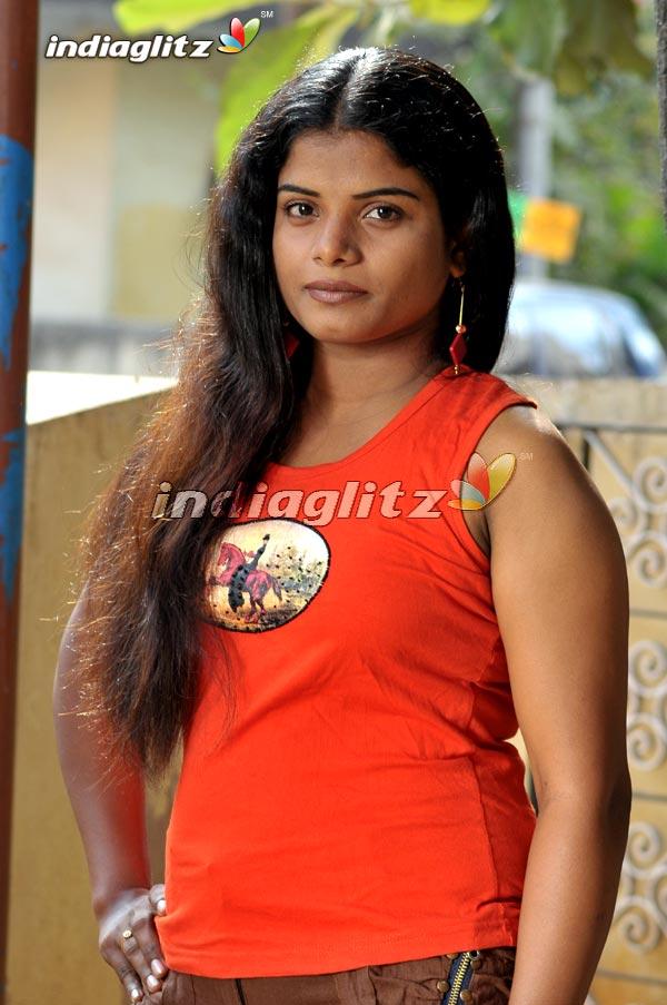 En Iniya Thamizh Makkaley Photos - Tamil Movies photos