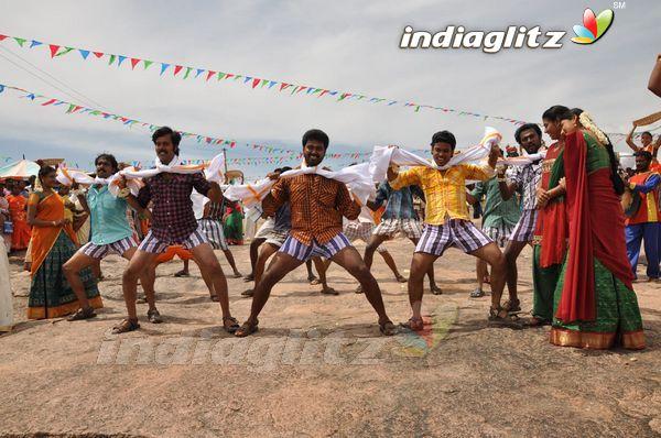 Muthukku Muthaga Full Movie Hd 1080p