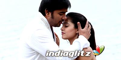 Thamizh Padam Review
