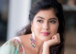 பாத்ரூமில் போட்டோஷூட் எடுத்த அம்ரிதா ஐயர்: வைரல் புகைப்படம்