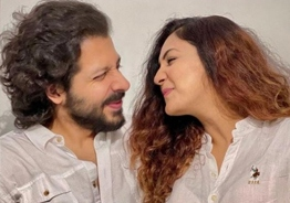 'Merasalayitten' singer shares first picture of her newborn baby and reveals name; Anushka Sharma reacts