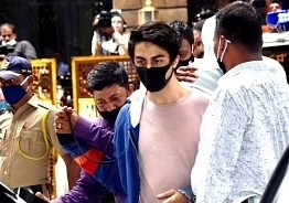 Aryan Khan talks to father Shah Rukh Khan and mother Gauri from jail through video call