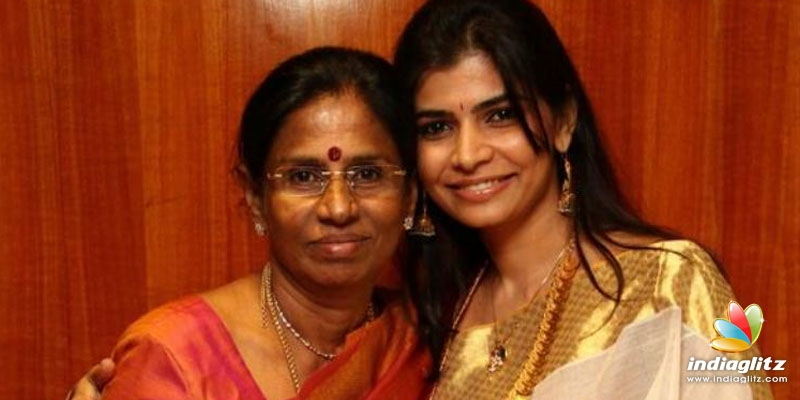 Chinmayi apologises for her mothers statement!