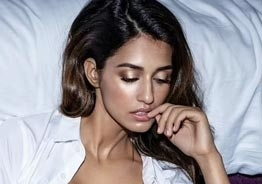 Disha Patani's scorching hot swimsuit pictures set Instagram on fire! - Take a look