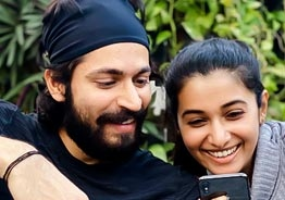 Harish Kalyan and Priya Bhavani Shankar proposing to each other?