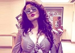 Superhit Tamil movie heroine's hot bikini photo sets internet on fire!