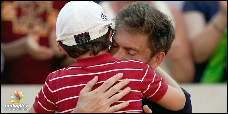 Son consoles his dad Nicolas Mahut after French Open loss