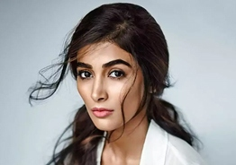 'Thalapathy 65' heroine Pooja Hegde's emotional post after losing favorite person