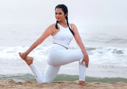 Pics from Ramya Pandian's latest photoshoot on beach will chase away Monday blues