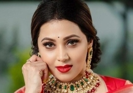 Breaking - UK based Influencer Renuka Praveen enters Big boss