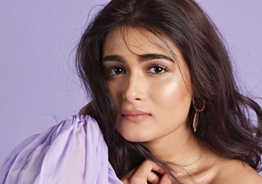 Birthday baby Shalini Pandey treats fans with high dose of Hotness - Take a look