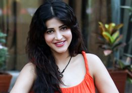 Shruti Haasan enters Television after Kamal Haasan