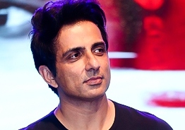 Sonu Sood's sensible request to people after Kozhikode Air India flight crash!