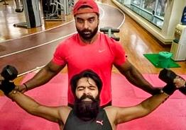 Fans stunned by Simbu's stunning workout photos!