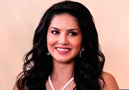 Sunny Leone to enter Tamil Nadu politics
