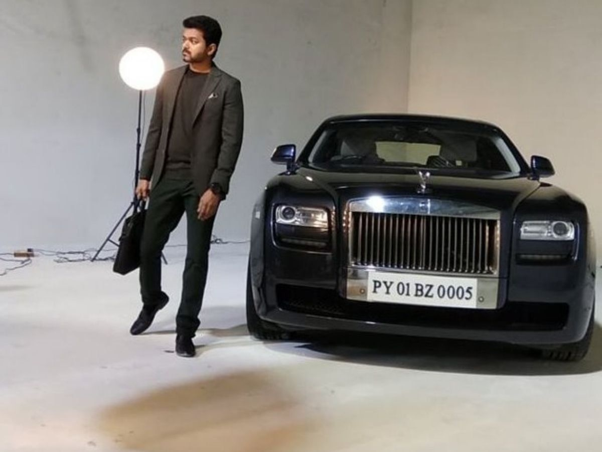 thalapathy vijay spotted in his rolls royce ghost