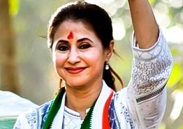 This Popular heroine quits Congress and joins Shivsena!