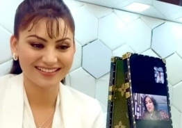 Super Star Rajinikanth and Latha Rajinikanth shower blessings for Urvashi Rautela - Know why?