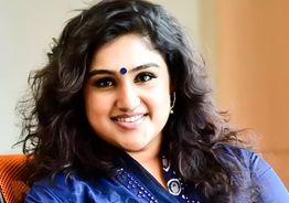 Vanitha Vijayakumar posts her son's photograph for the first time with great pride