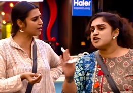Major fight - Vanitha accuses Kasthuri of body shaming her
