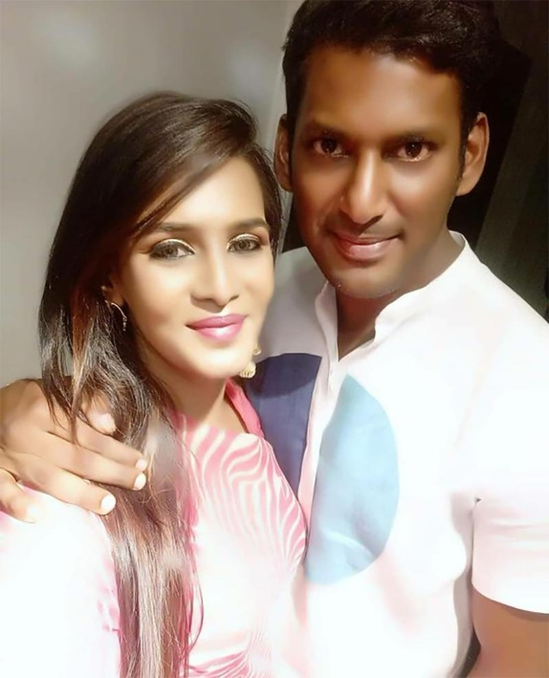 This action hero is Meera Mitun's true genuine friend in Kollywood! - Tamil  News - IndiaGlitz.com