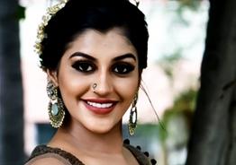 அஜித்துடன் நடிக்க ஆசை, அரசியலுக்கு வருவேன்: யாஷிகா ஆனந்த் பேட்டி