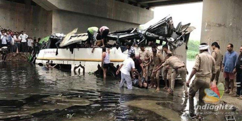 29 Killed After Bus Falls off Yamuna Expressway