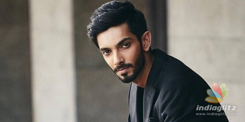 Video of Anirudh playing keyboard at a marriage in his young age goes viral