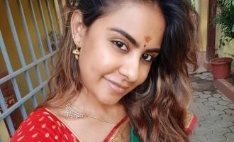 முதலமைச்சர் ஒரு ரியல் ஹீரோ: ஸ்ரீரெட்டி பாராட்டு