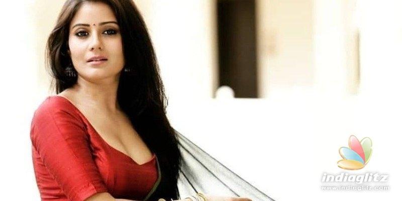 Another Actress tries hot saree photo shoot after Ramya Pandian