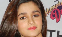 I want to act with NTR : Alia Bhatt