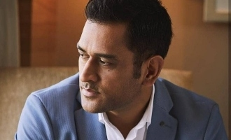 Captain Cool Dhoni's stunning gesture of love for fans!