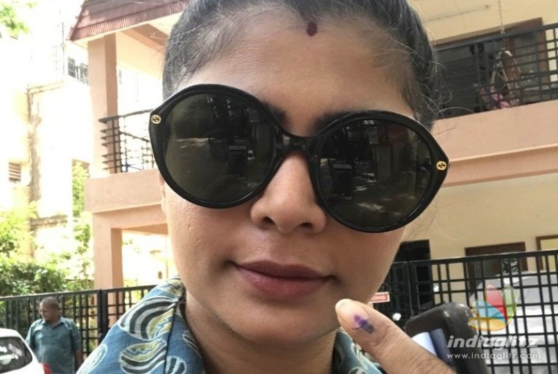 Chinmayi trolled by popular director after casting her vote