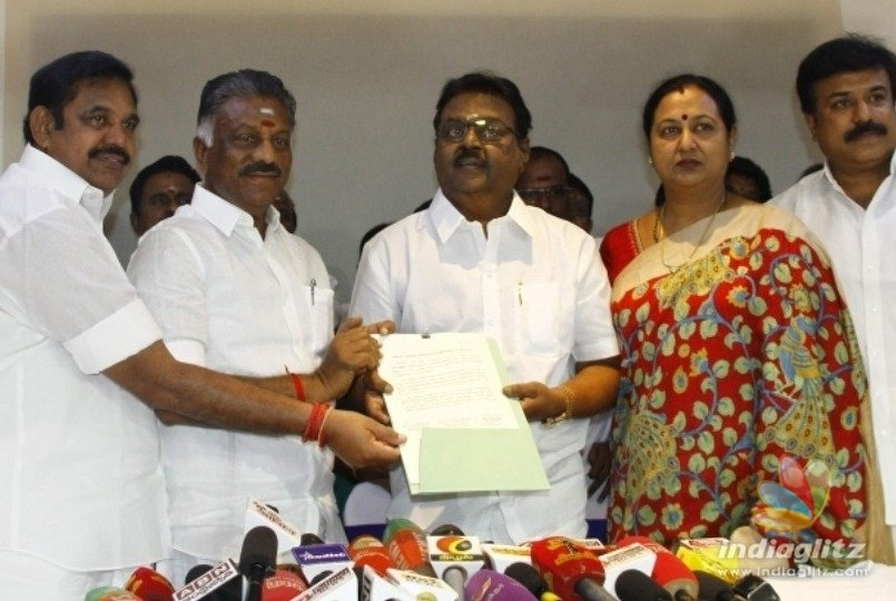 TN CM Edappadi Palanisamy meets Vijayakanth!