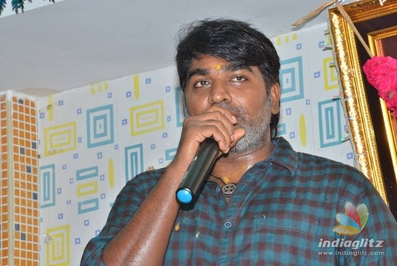Vijay Sethupathi donates blood for Stunt men