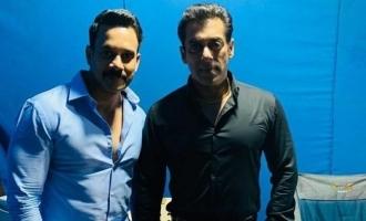Bharath  signs a Bollywood biggie with Salman Khan