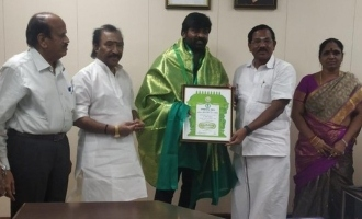 Vijay Sethupathi, Vijay Antony and other celebs recieve Kalaimamani Award