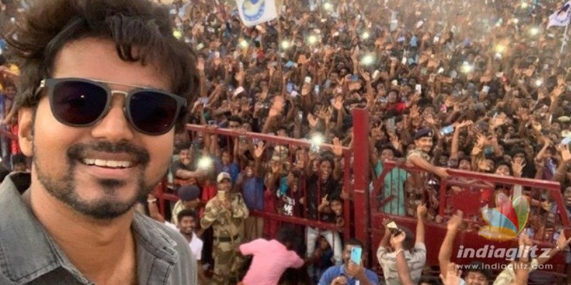 Thalapathy Vijay shows his mass power in Master selfie and more latest pictures