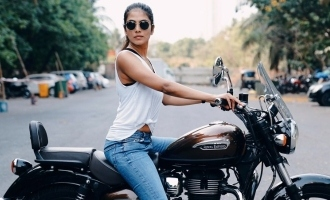 ராயல் என்ஃபீல்டு பைக்கில் 'மாஸ்டர்' நடிகை: வேற லெவலில் வைரல்!