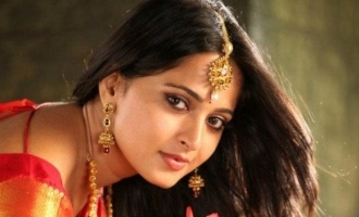 Anushka to marry a divorcee director?