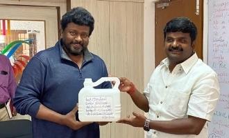 Parthiban's sensible gift to health minister Vijayabaskar!